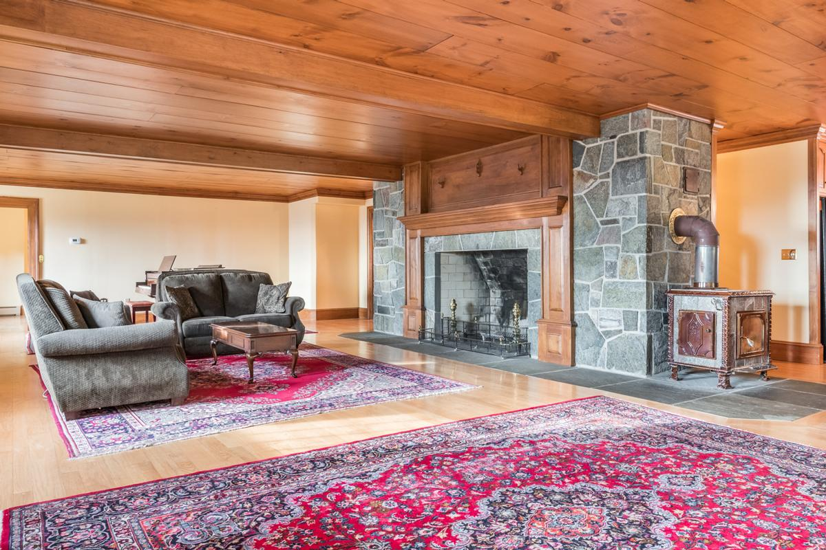 Luxury homes Custom Home in the Heart of White Mountains