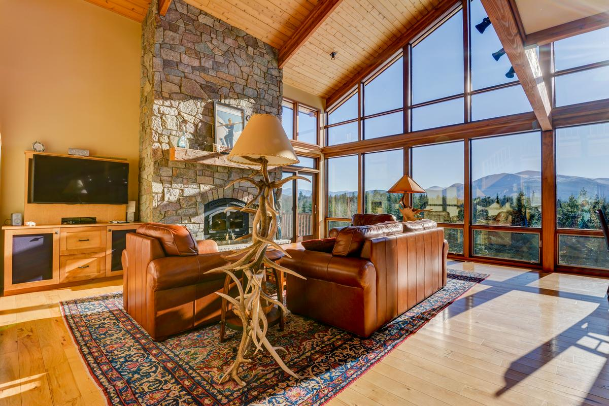 Luxury real estate cUSTOM mOUNTAIN hOMe