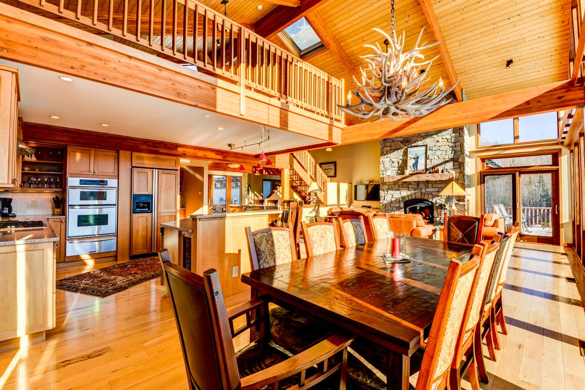cUSTOM mOUNTAIN hOMe luxury real estate