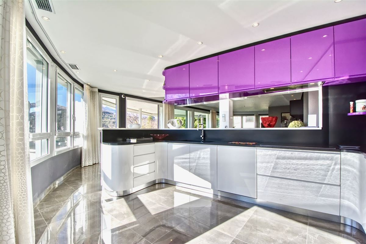 Wonderful villa for sale in Viganello luxury real estate