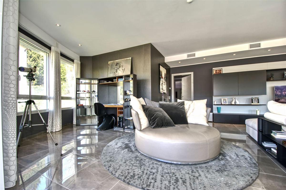 Luxury properties Wonderful villa for sale in Viganello