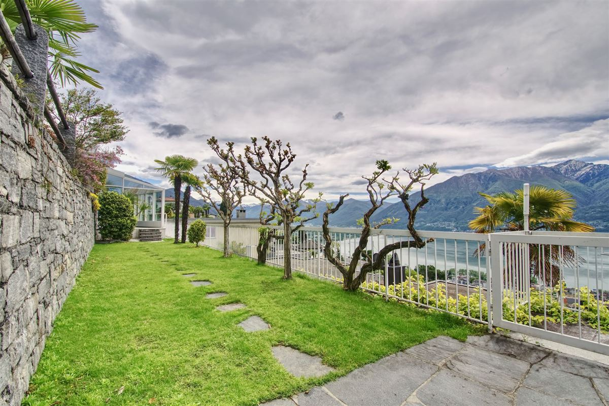 Very well positioned in Minusio luxury properties