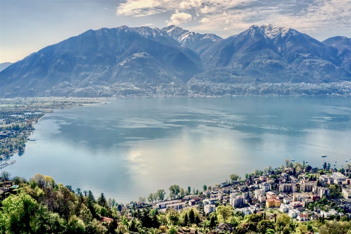 wonderful building plot with open view of Lake Maggiore luxury homes