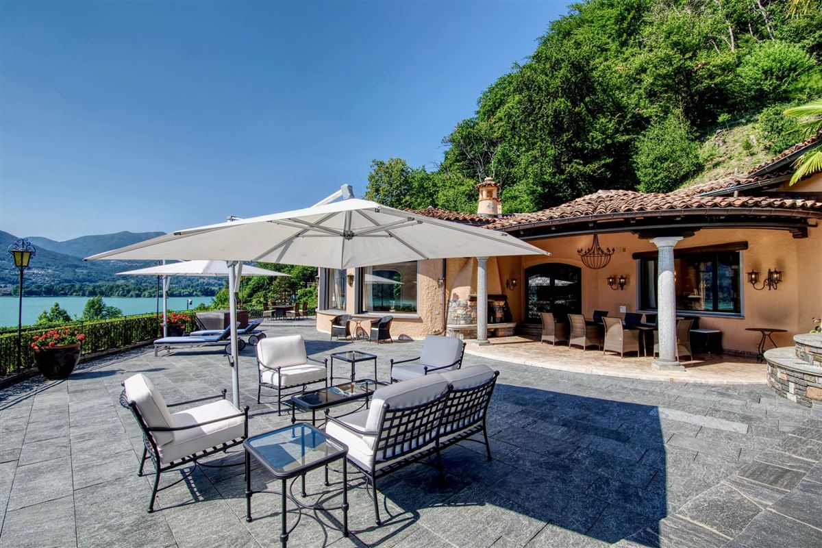 Superbly restored Mediterranean luxury villa luxury real estate