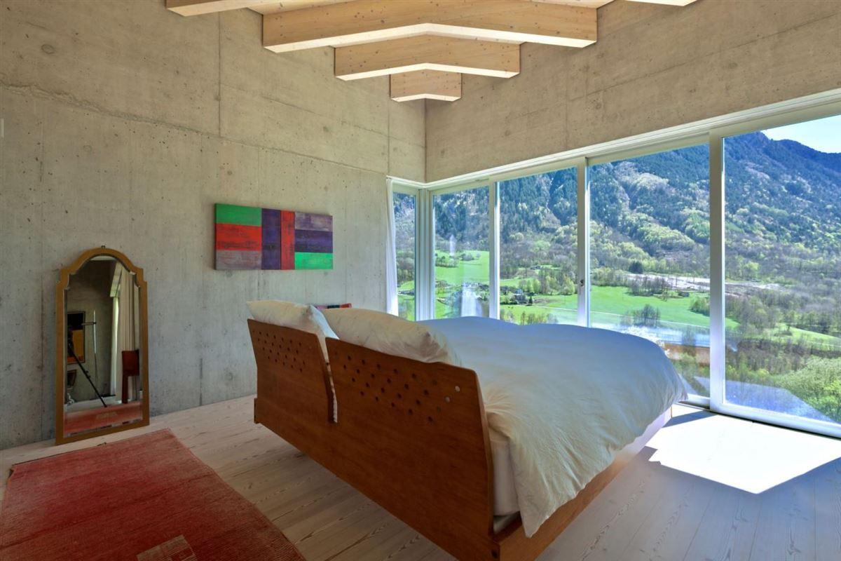 modern masterpiece in Switzerland luxury homes