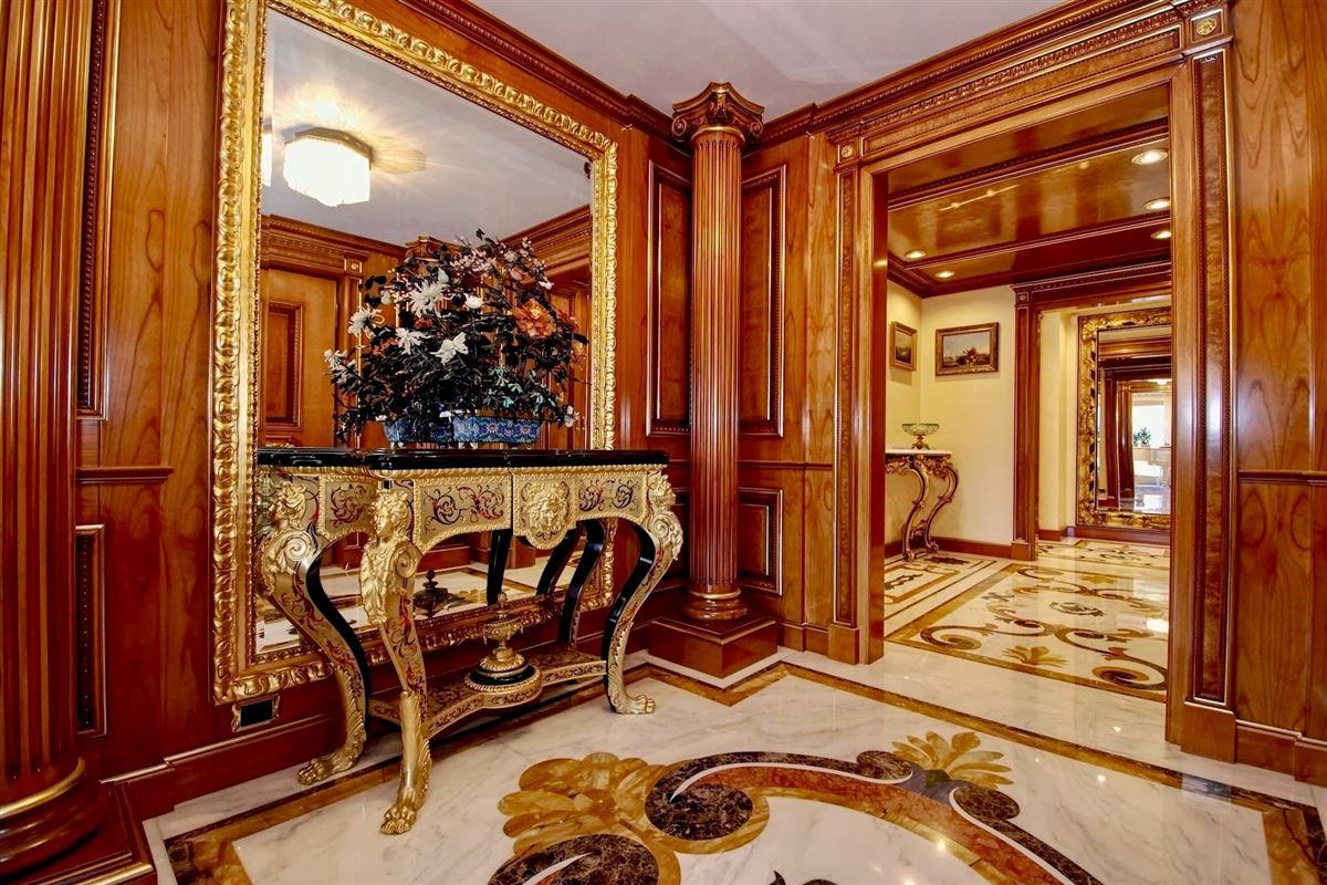Luxury real estate beautiful apartment in the center of Lugano