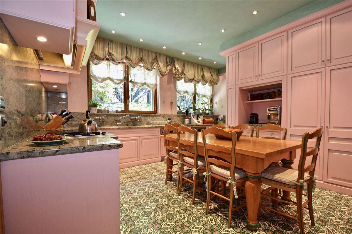 Luxury real estate elegant villa in exclusive Massagno