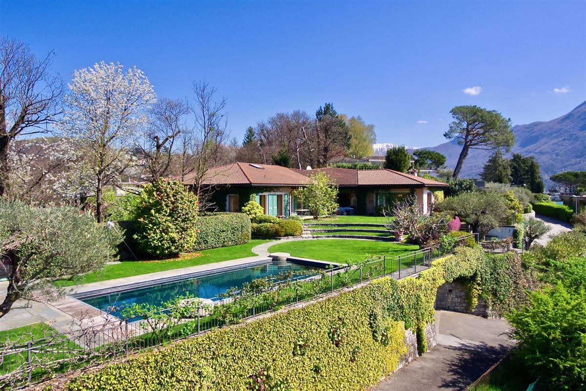 elegant villa in exclusive Massagno luxury real estate