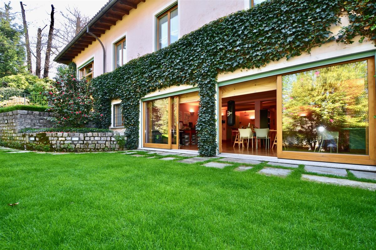 elegant villa in exclusive Massagno luxury properties