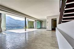 Mansions in new modern villa in Vico Morcote