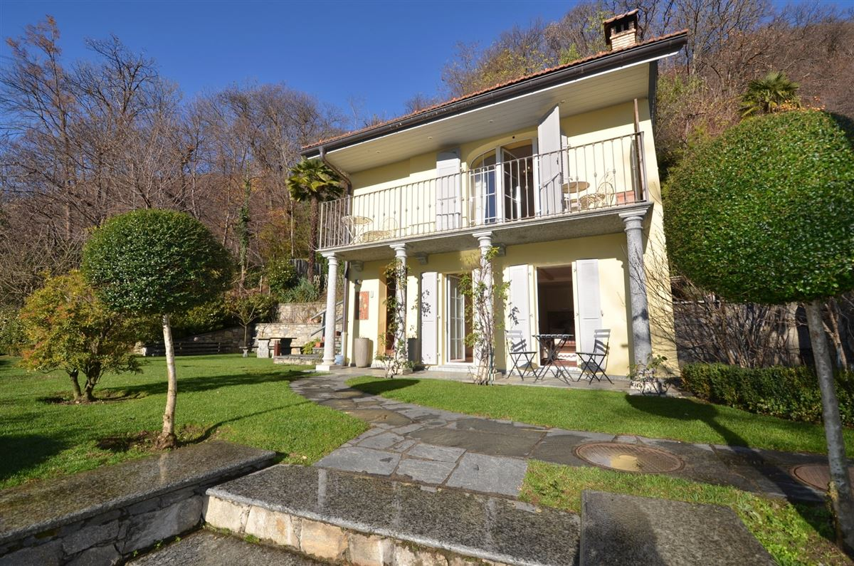 Luxury properties luxurious Mediterranean country style estate