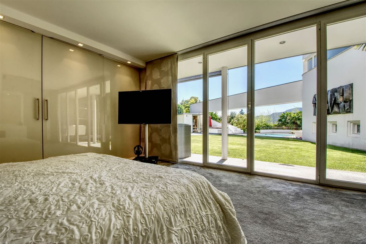 Luxury real estate Modern villa in Cureglia