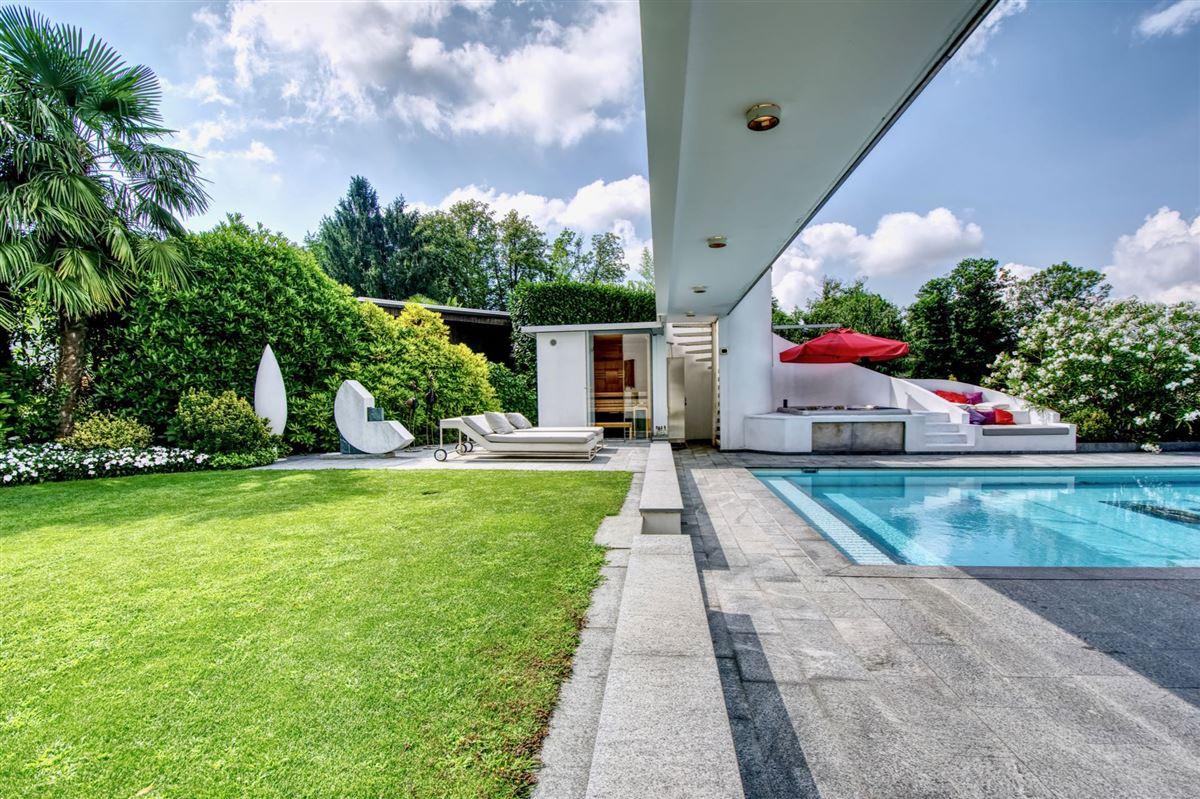 Modern villa in Cureglia luxury real estate