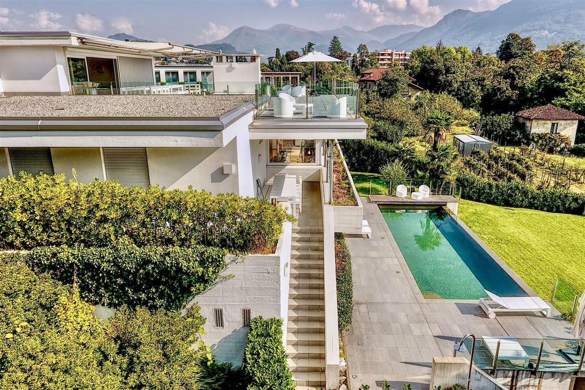 renovated villa in Sorengo luxury real estate