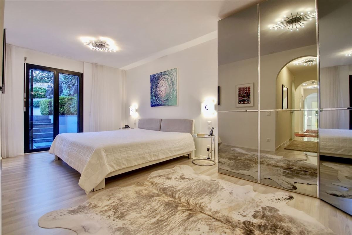 Luxury real estate beautiful and modern two-bedroom apartment in Minusio