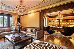 Mansions in Villa Elisa