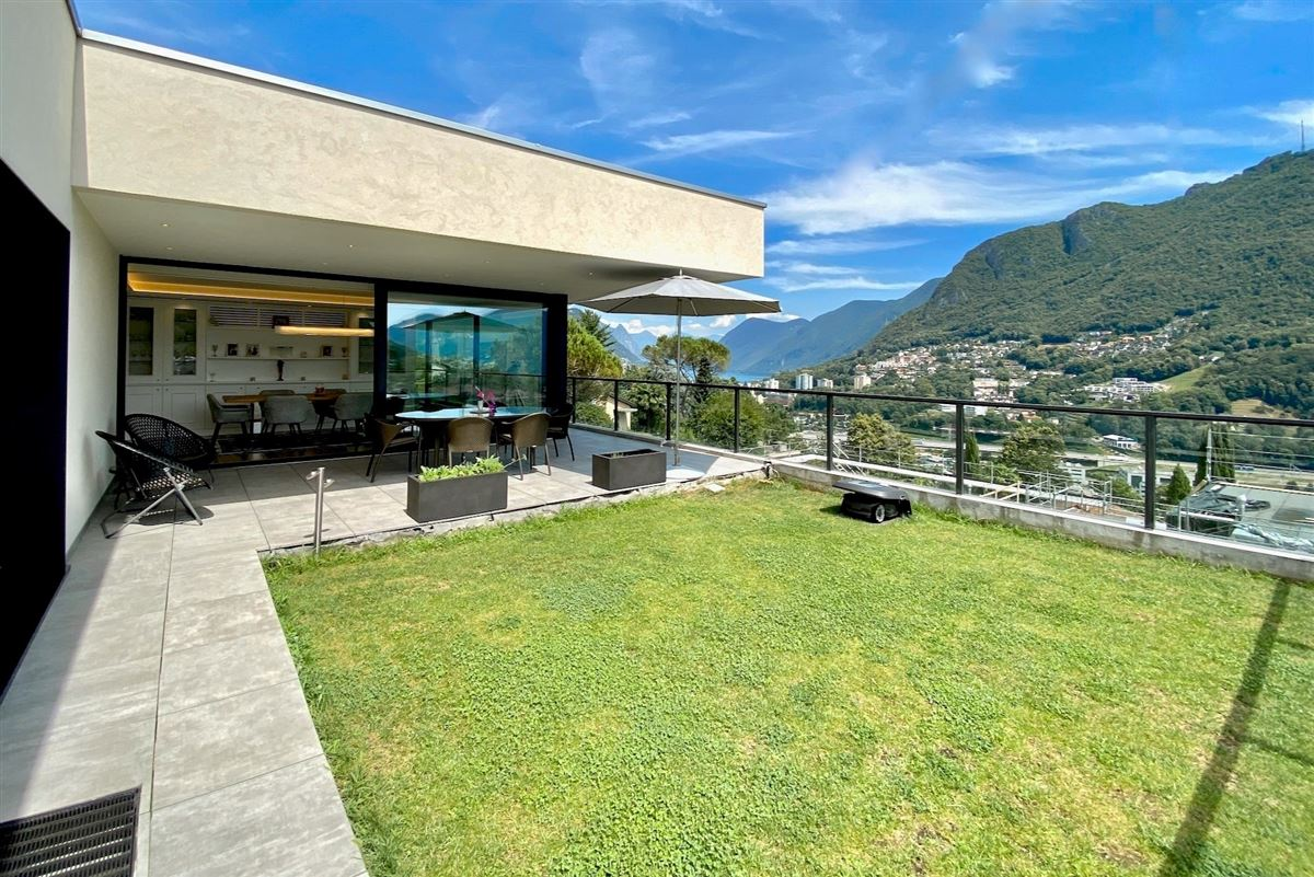 Modern villa with incredible high-end features luxury properties