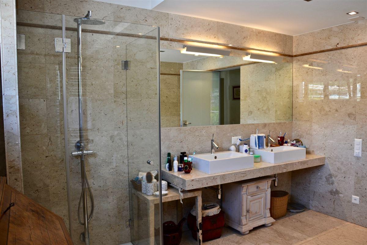 Luxury homes Five Bedroom Apartment