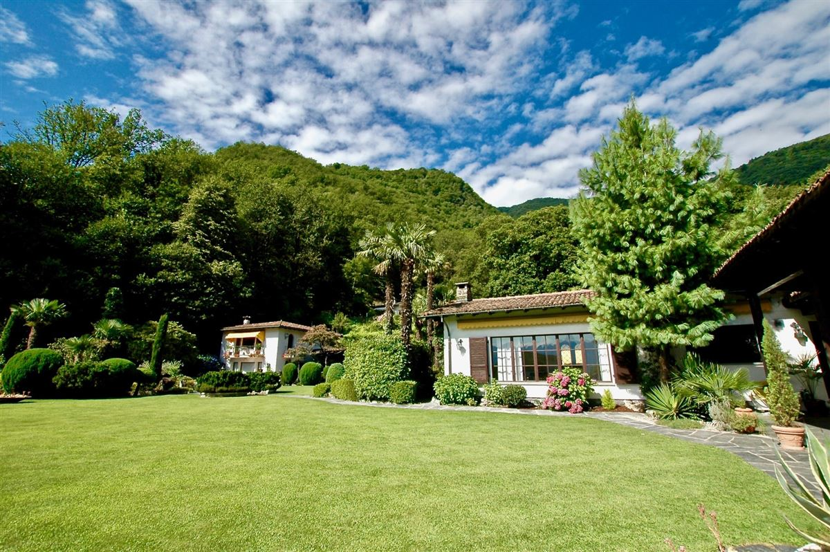 Luxury properties secluded and most quiet hillside location