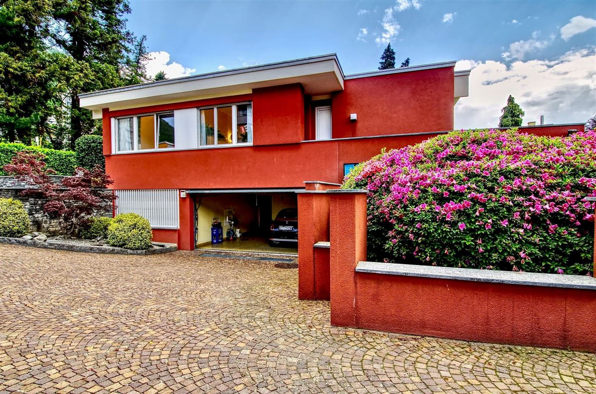 Very elegant bungalow style villa  luxury real estate