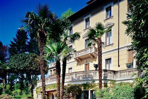 Luxurious Liberty - palazzo from 1900 luxury properties