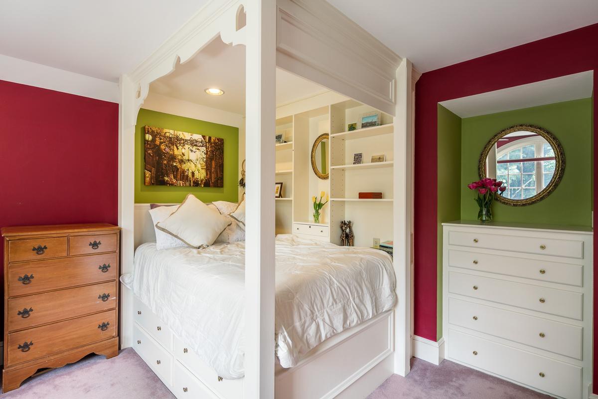 Elegant and inviting city retreat luxury homes