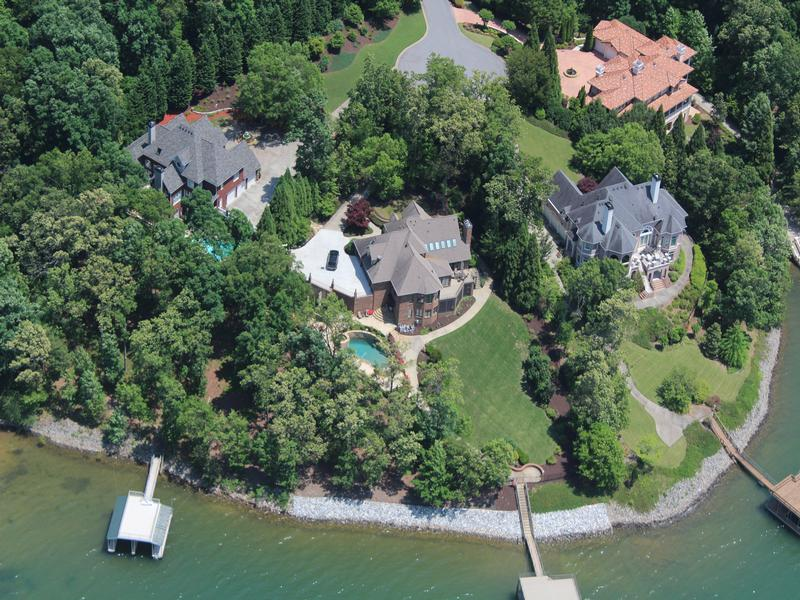 EXQUISITE SOUTH LAKE PROPERTY