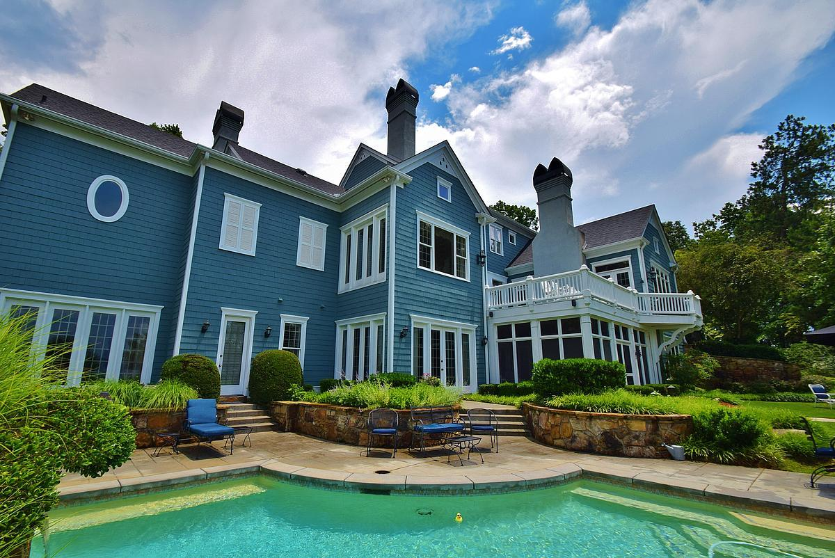 Metro Atlanta Lake Lanier Estate mansions