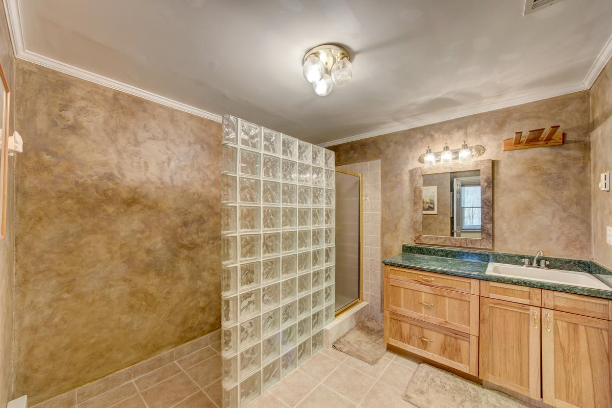 Luxury properties 5919 Basswood Cove on Lake Lanier
