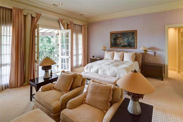 Majestic Georgian estate luxury real estate