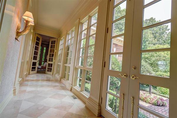 Luxury homes in Majestic Georgian estate