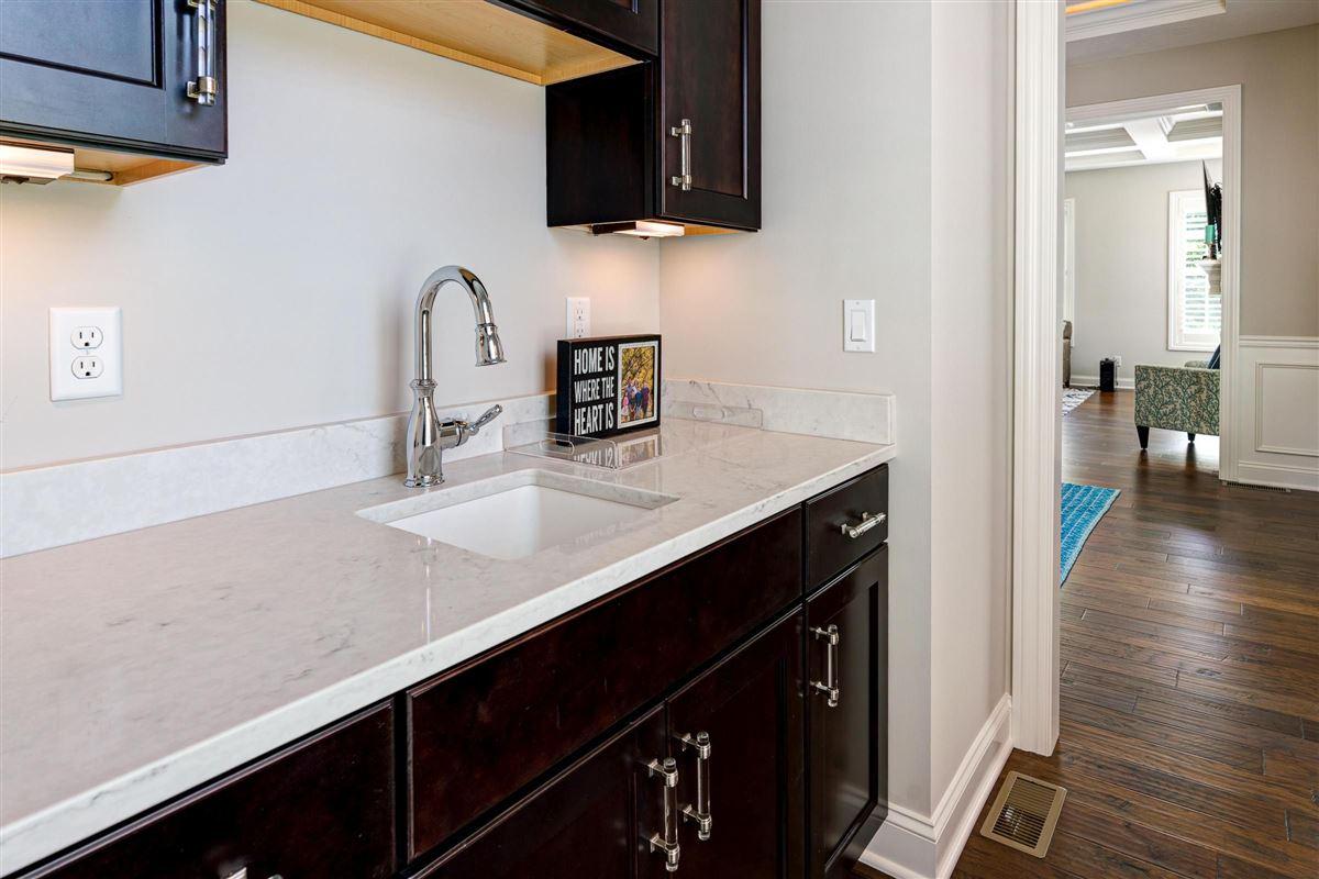 Luxury real estate Exquisite luxury living