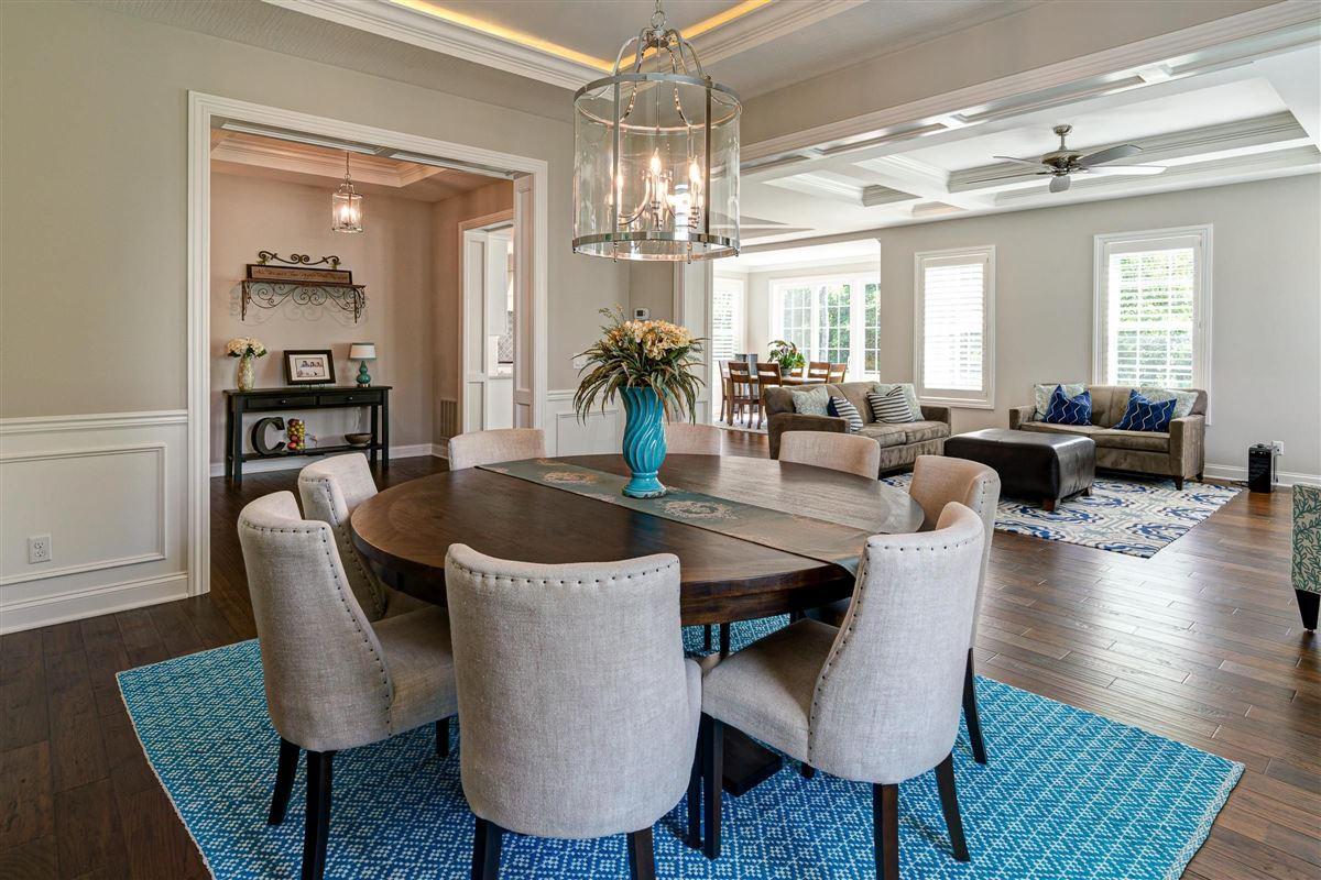 Luxury properties Exquisite luxury living
