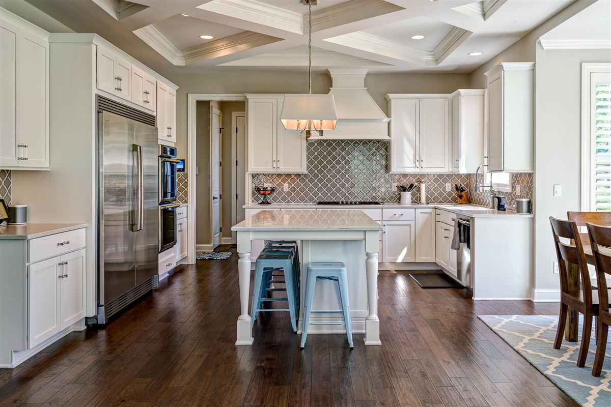 Mansions in Exquisite luxury living