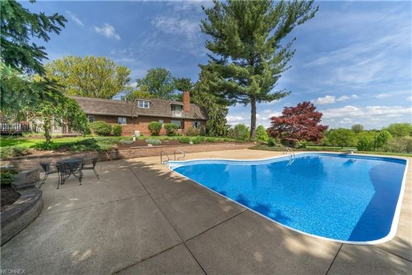 Luxury real estate a serene 28.86 acre property in jackson township