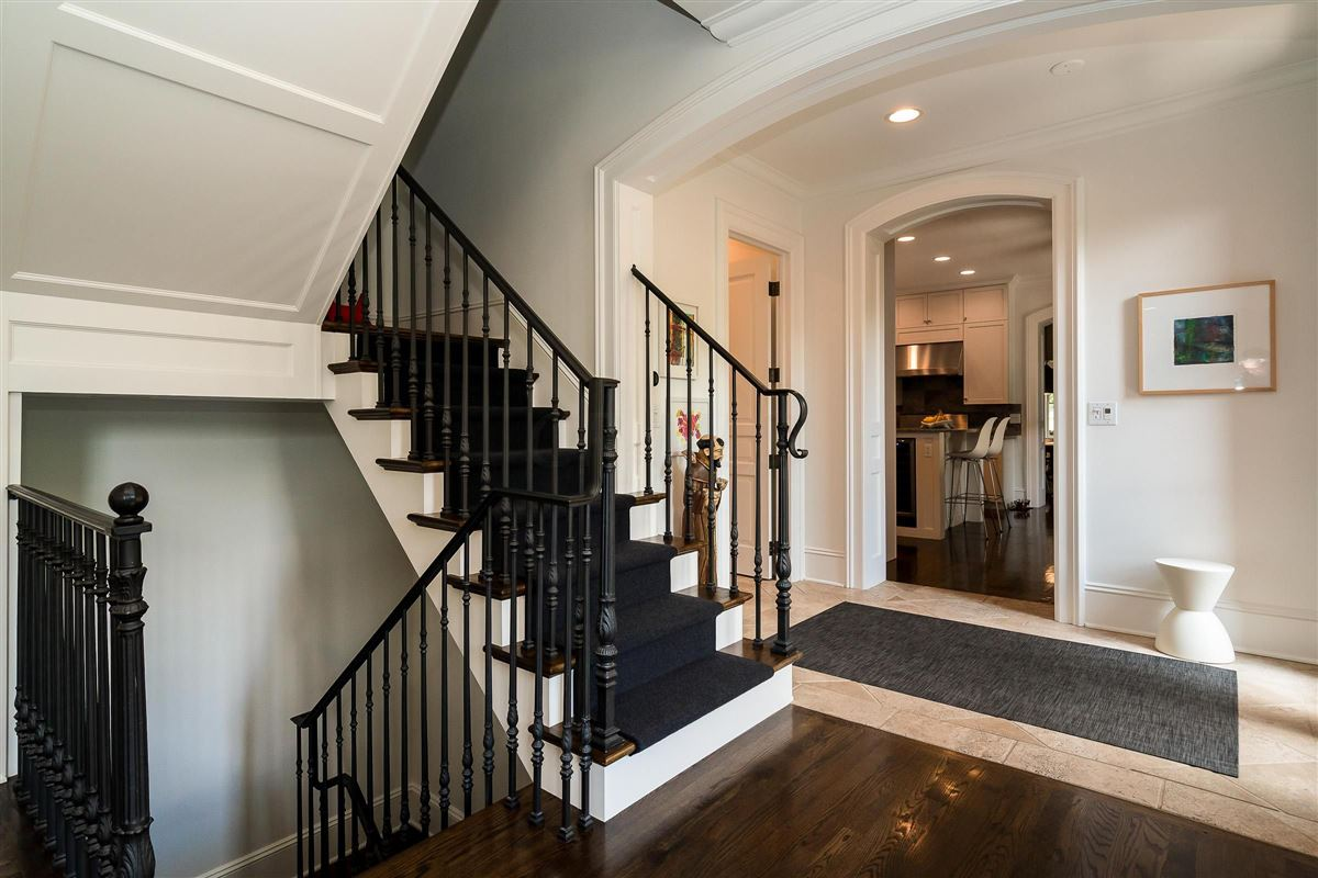 Luxury homes renovated and expanded German Village Historic Home is a true gem