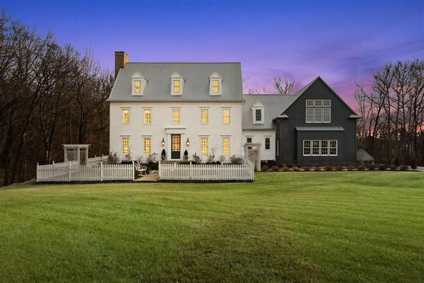 INCREDIBLE Ohio home with EXQUISITE FINISHEs luxury real estate