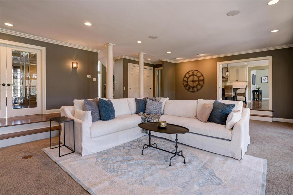 Luxury homes in views of Muirfield Village Golf Club