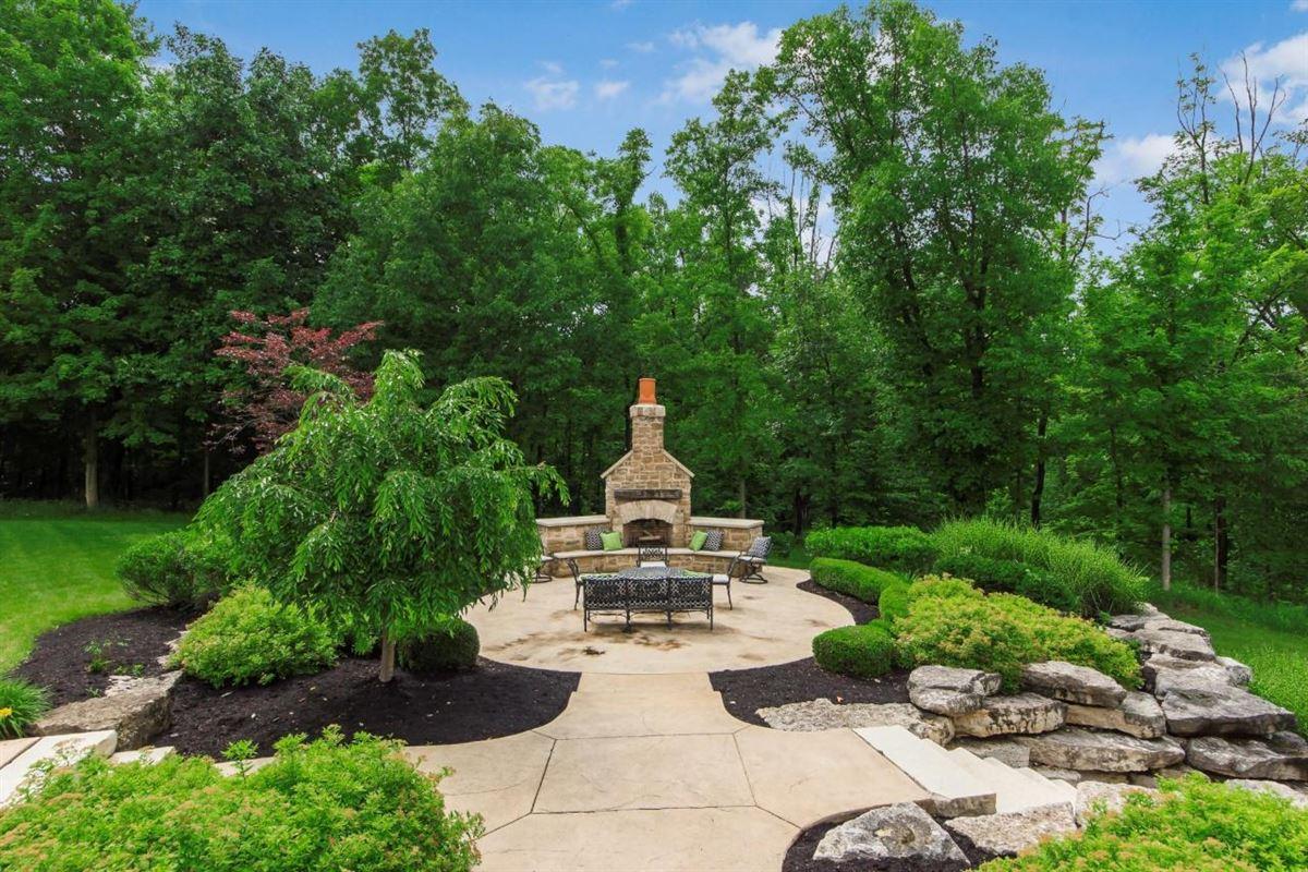 Luxury properties  idyllic nine acre estate