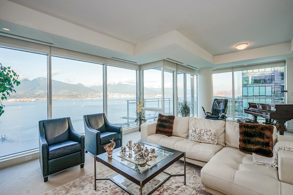 Fantastic Ocean and Mountain Views luxury homes