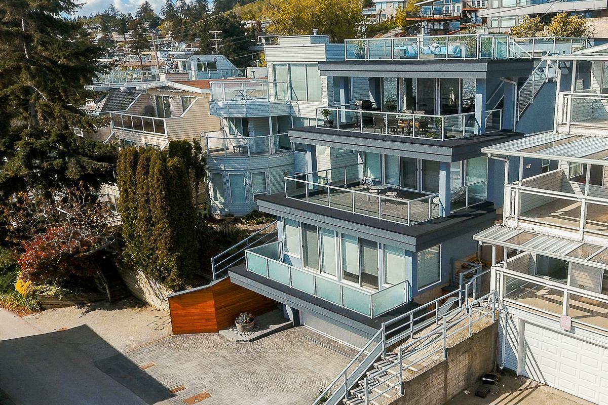 Mansions Panoramic Ocean Views