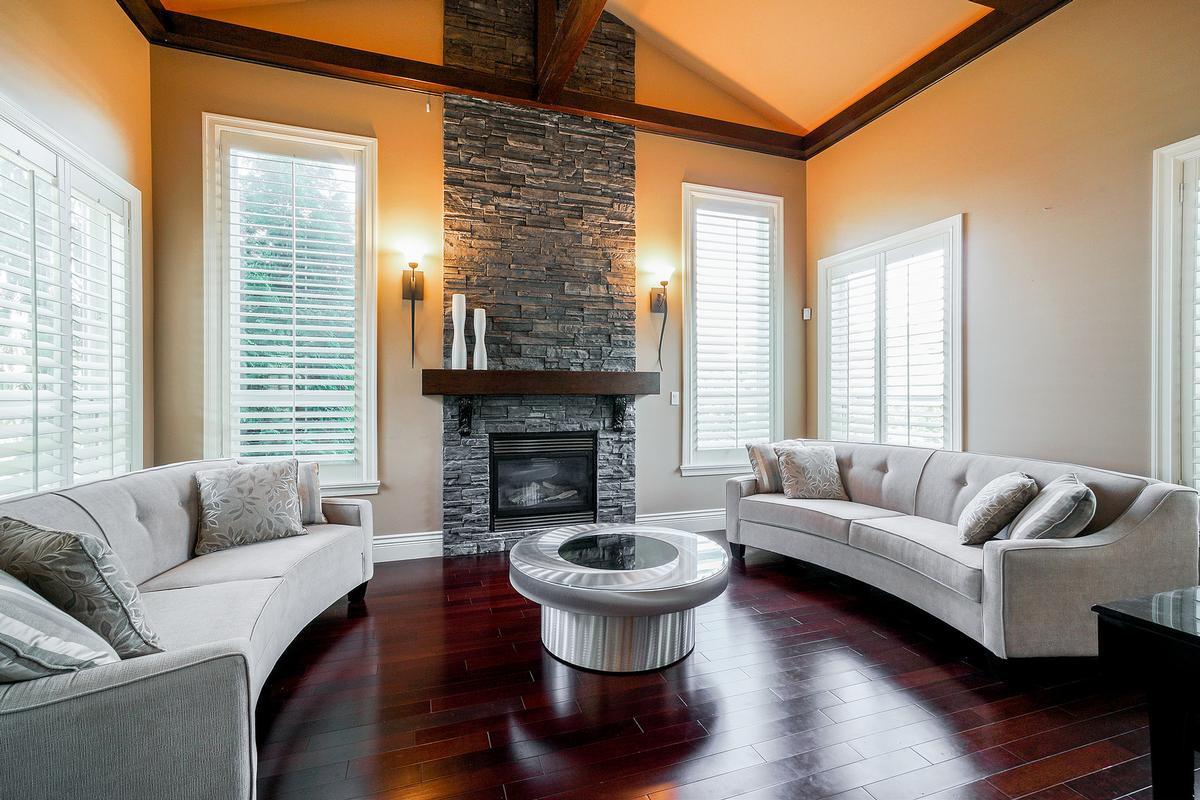 Executive Fleetwood dream house luxury properties