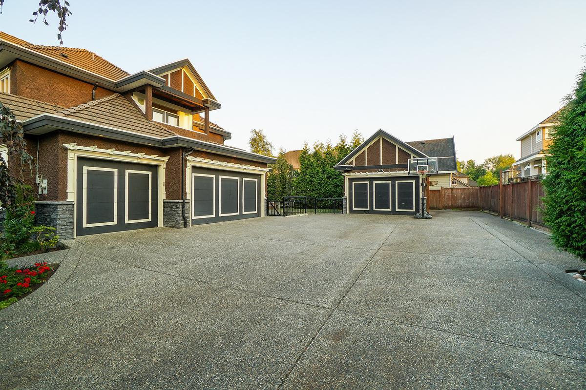 Executive Fleetwood dream house luxury homes