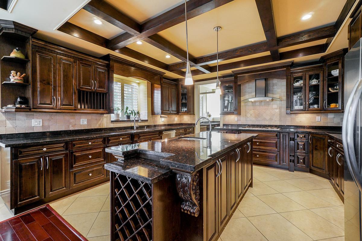 Luxury properties Executive Fleetwood dream house