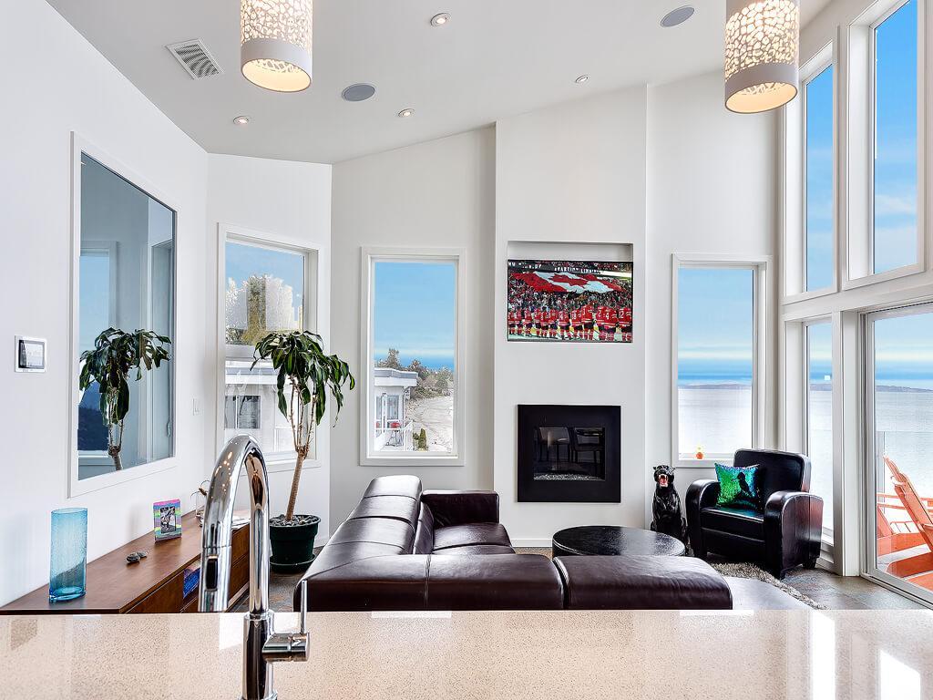 Luxury homes Stunning Luxury Waterfront Home