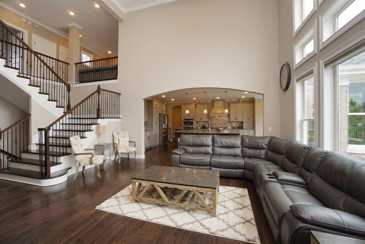 EXQUISITE home in vista pointe luxury homes