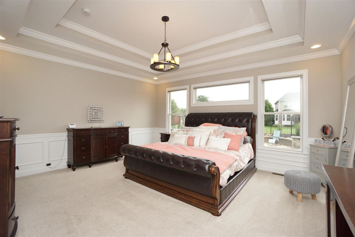 Luxury homes in EXQUISITE home in vista pointe