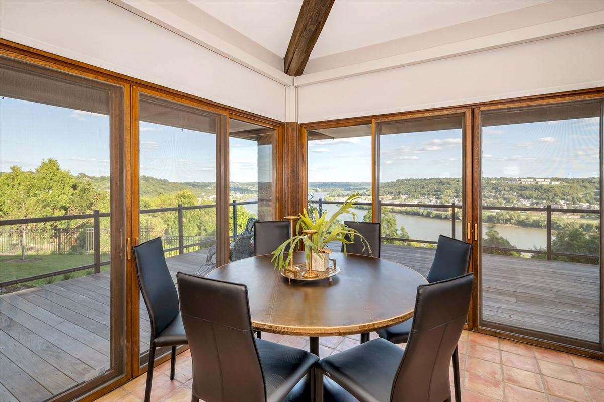 Spectacular architecture and stunning views luxury properties