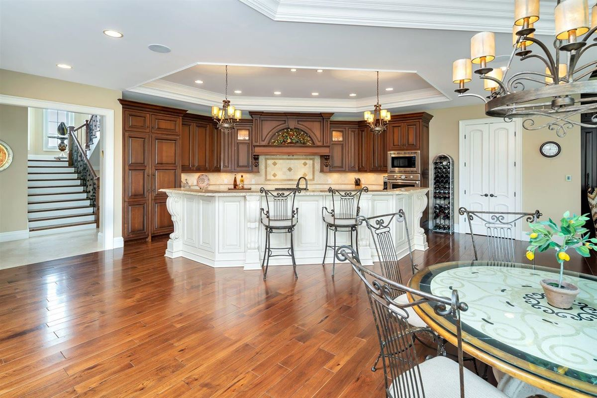 Luxury properties Spectacular custom home in Riverview Estates of Coldstream