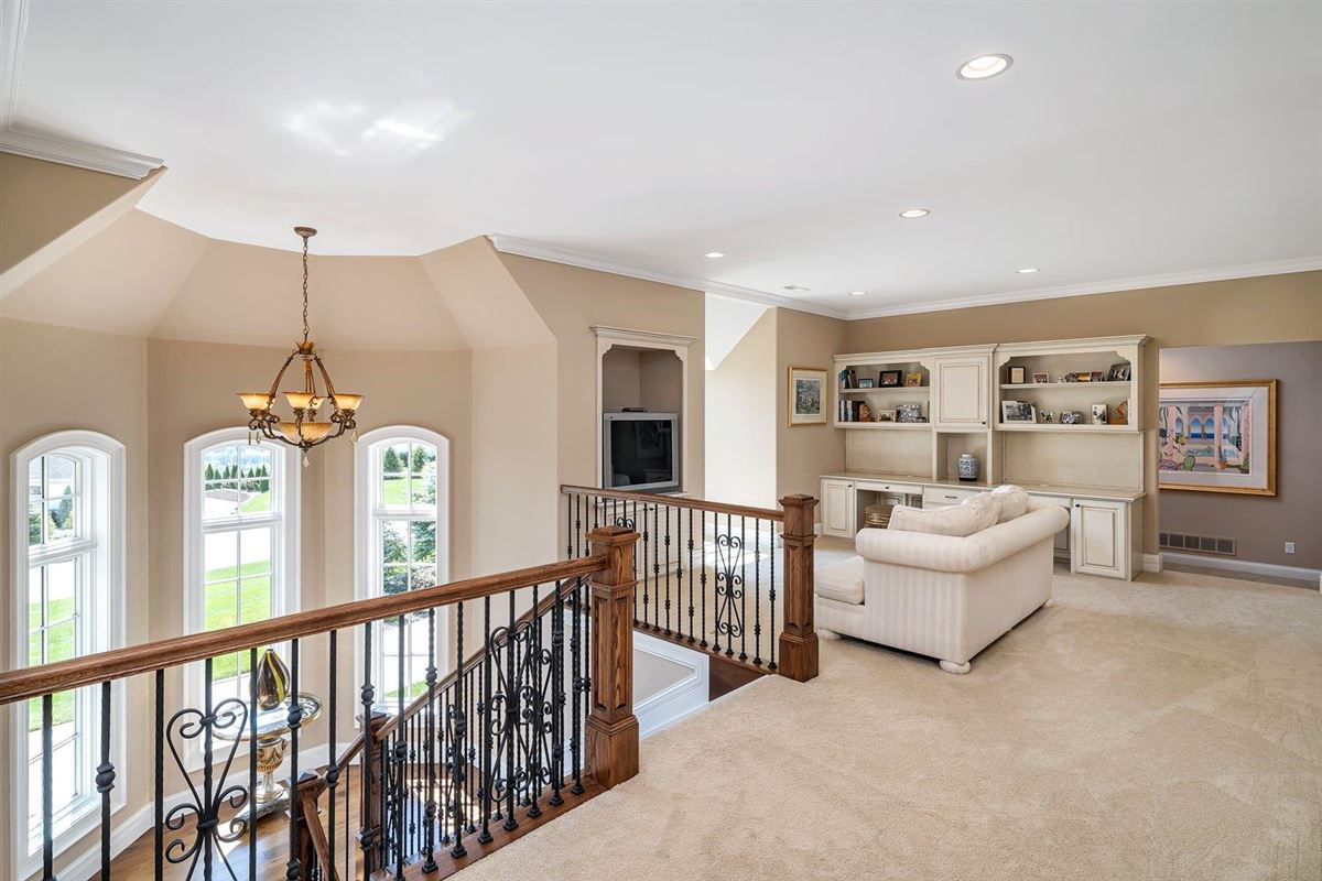 Mansions Spectacular custom home in Riverview Estates of Coldstream